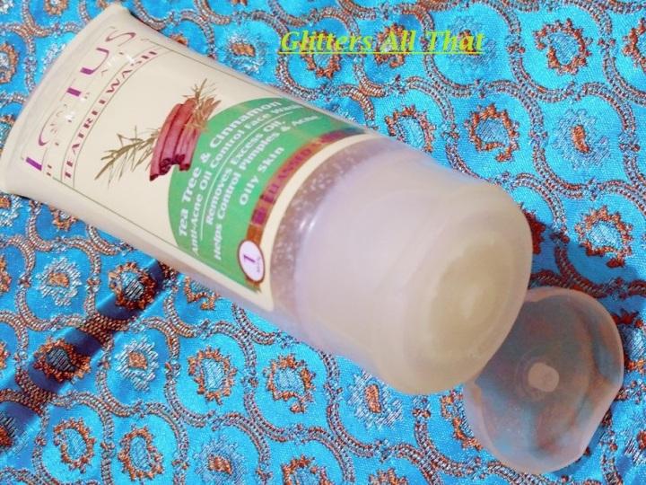 Lotus Herbals Tea TreeFacewash